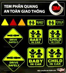 Tem phản quang cảnh báo an toàn giao thông.